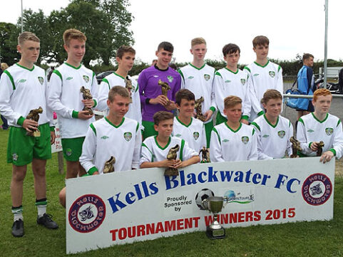 U-15s take season's first trophy!